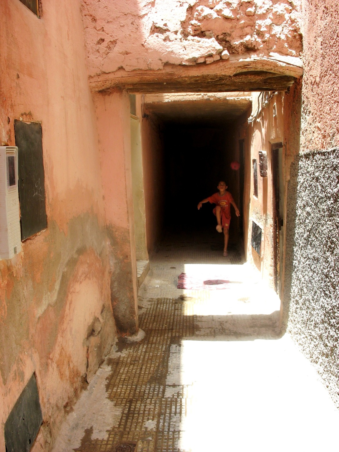 Tunnel to Hotel in Marrakesh 2007